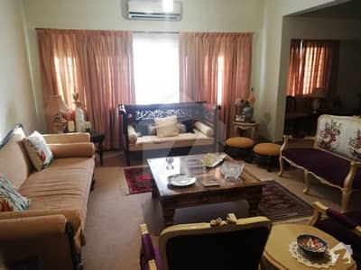 Centrally Located 2400 sq ft ground floor in Sea View Apartments