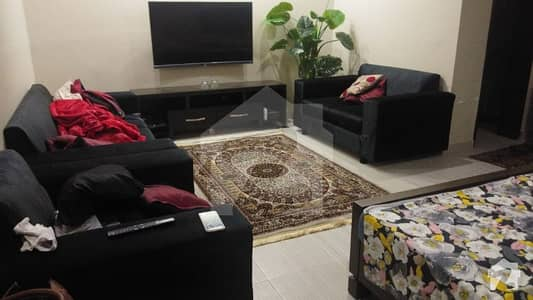 کینال ویو بلاک بی کینال ویو لاہور میں 2 کمروں کا 11 مرلہ زیریں پورشن 65 ہزار میں کرایہ پر دستیاب ہے۔