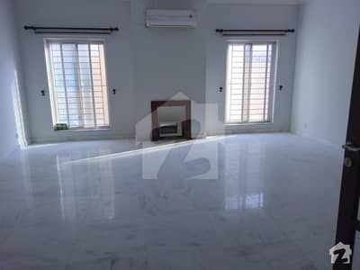 1 Kanal Beautiful house for rent in F83