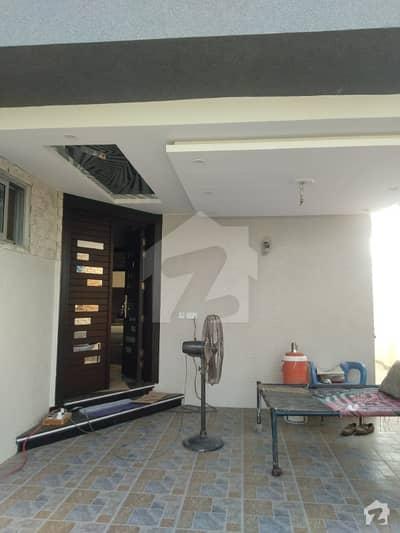 بحریہ آرچرڈ فیز 1 ۔ سدرن بحریہ آرچرڈ فیز 1 بحریہ آرچرڈ لاہور میں 5 کمروں کا 10 مرلہ مکان 2 کروڑ میں برائے فروخت۔