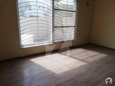 ڈی ایچ اے ہومز ڈی ایچ اے فیز 5 ڈیفنس (ڈی ایچ اے) لاہور میں 4 کمروں کا 10 مرلہ مکان 85 ہزار میں کرایہ پر دستیاب ہے۔