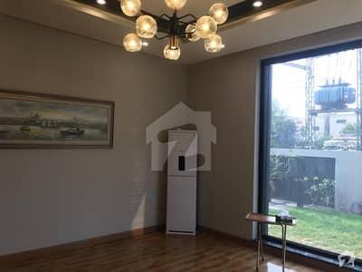 ڈی ایچ اے فیز 5 - بلاک بی فیز 5 ڈیفنس (ڈی ایچ اے) لاہور میں 3 کمروں کا 5 مرلہ مکان 60 ہزار میں کرایہ پر دستیاب ہے۔