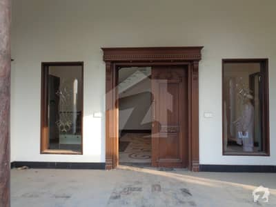 Vip 38 Marla Bungalow For Sale At Raza Garden Canal Road Faisalabad