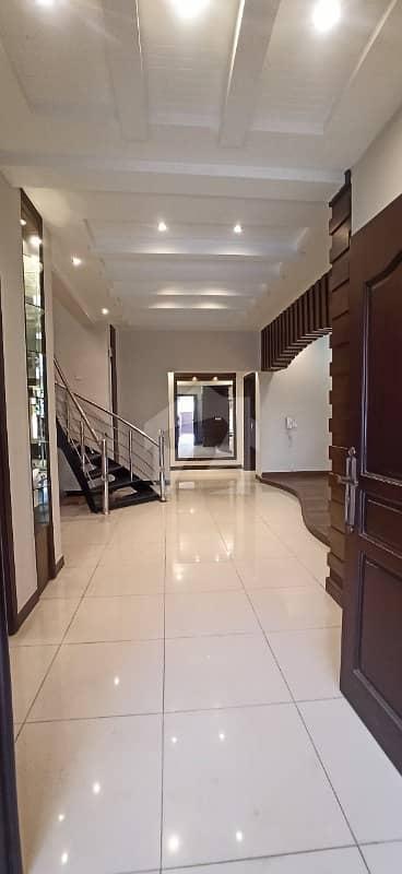 بحریہ ٹاؤن ۔ سفاری ولاز 3 بحریہ ٹاؤن راولپنڈی راولپنڈی میں 3 کمروں کا 12 مرلہ مکان 2.7 کروڑ میں برائے فروخت۔