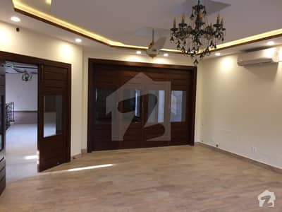 Beautiful Modern And Contemporary 6 Bed House With Basement