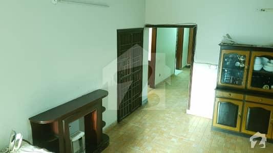 چکلالہ سکیم 3 چکلالہ سکیم راولپنڈی میں 5 کمروں کا 10 مرلہ مکان 2.5 کروڑ میں برائے فروخت۔