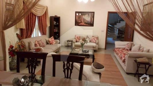 ڈی ایچ اے فیز 7 ڈی ایچ اے کراچی میں 6 کمروں کا 1 کنال مکان 8 کروڑ میں برائے فروخت۔