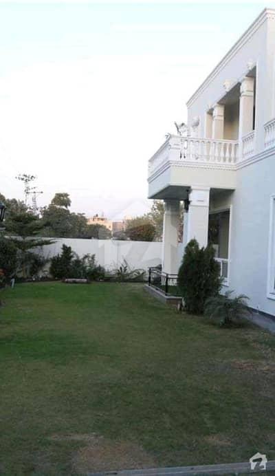 ڈی ایچ اے فیز 5 - بلاک ای فیز 5 ڈیفنس (ڈی ایچ اے) لاہور میں 5 کمروں کا 1 کنال مکان 2.15 لاکھ میں کرایہ پر دستیاب ہے۔