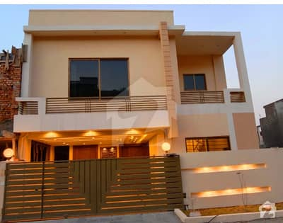 6.5 Marla Double Unit House For Sale In Safari Valley