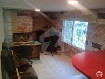 خالد بِن ولید روڈ کراچی میں 2 کمروں کا 4 مرلہ مکان 80 ہزار میں کرایہ پر دستیاب ہے۔