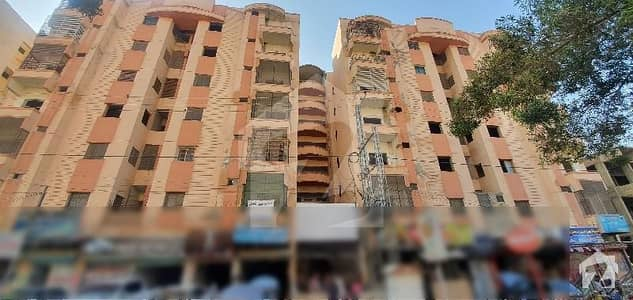 Spacious Flat Is Available In Qasimabad For Rent
