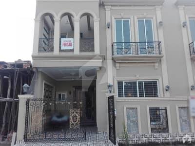 سٹیٹ لائف فیز۱۔ بلاک اے ایکسٹینشن اسٹیٹ لائف ہاؤسنگ فیز 1 اسٹیٹ لائف ہاؤسنگ سوسائٹی لاہور میں 3 کمروں کا 5 مرلہ مکان 1.42 کروڑ میں برائے فروخت۔