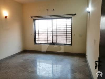 گلبرگ 4 گلبرگ لاہور میں 7 کمروں کا 3 کنال مکان 4 لاکھ میں کرایہ پر دستیاب ہے۔
