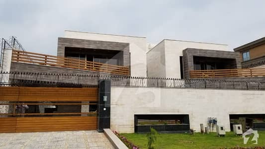 Prime Location Brand New  7 Bedroom House For Rent