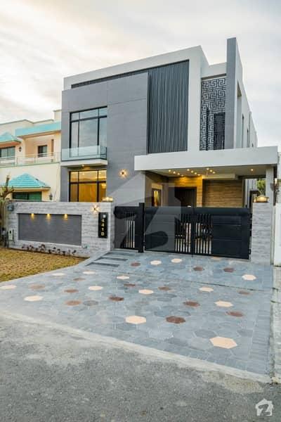 10 MARLA BRAND NEW MUZHAR MUNIAR DESIGN HOUSE FOR SALE IN DHA PHASE 5