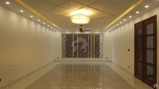 ڈی ایچ اے فیز 6 - بلاک جے فیز 6 ڈیفنس (ڈی ایچ اے) لاہور میں 5 کمروں کا 1 کنال مکان 8.5 کروڑ میں برائے فروخت۔