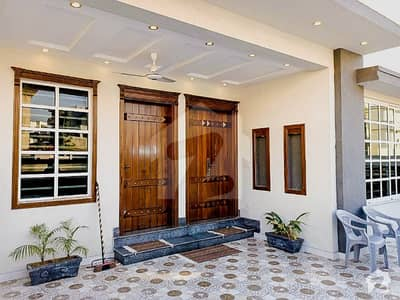 ڈی ایچ اے ڈیفینس فیز 2 ڈی ایچ اے ڈیفینس اسلام آباد میں 5 کمروں کا 10 مرلہ مکان 88 ہزار میں کرایہ پر دستیاب ہے۔