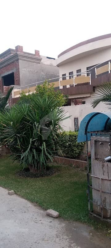 بینکرز کوآپریٹو ہاؤسنگ سوسائٹی لاہور میں 4 کمروں کا 10 مرلہ مکان 75 ہزار میں کرایہ پر دستیاب ہے۔