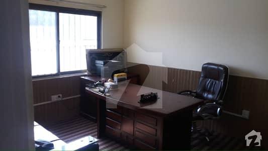 جی ۔ 6 اسلام آباد میں 2 کمروں کا 4 مرلہ فلیٹ 40 ہزار میں کرایہ پر دستیاب ہے۔