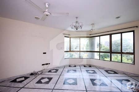 ڈی ایچ اے فیز 1 ڈیفنس (ڈی ایچ اے) لاہور میں 3 کمروں کا 1 کنال بالائی پورشن 52 ہزار میں برائے فروخت۔