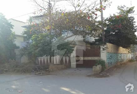 A Stunning House Is Up For Grabs In Shahra-E-Faisal Karachi