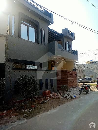 الاحمد گارڈن ۔ بلاک سی الاحمد گارڈن ہاوسنگ سکیم جی ٹی روڈ لاہور میں 3 کمروں کا 5 مرلہ مکان 82 لاکھ میں برائے فروخت۔