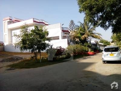 گلشنِ معمار - سیکٹر ایکس گلشنِ معمار گداپ ٹاؤن کراچی میں 5 کمروں کا 16 مرلہ مکان 3.5 کروڑ میں برائے فروخت۔