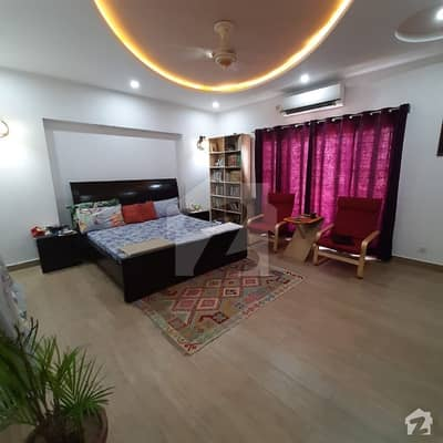 Very Solid & Beautiful Lucky House Near Market Back Side 60 Feet Road Mosque School Uni Double Storey With Room  Servant Quarter