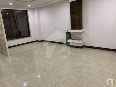 ڈی ایچ اے فیز 8 سابقہ ایئر ایوینیو ڈی ایچ اے فیز 8 ڈی ایچ اے ڈیفینس لاہور میں 2 کمروں کا 5 مرلہ فلیٹ 1.15 کروڑ میں برائے فروخت۔