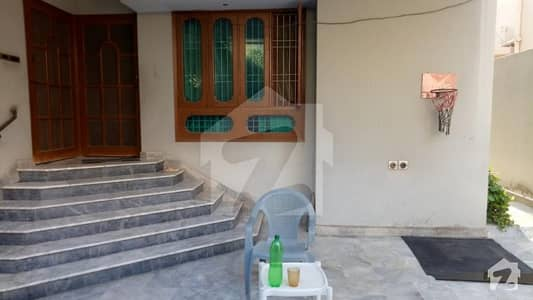 Good Renovated G 2 Basement 400 Yards Leased Two Unit Bungalow In Boundary Walled Society Safari Homes Block 1 Gulistan-e-jauhar