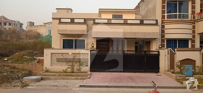 House Of 1800  Square Feet In Cbr Town For Sale