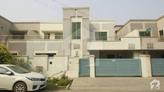 عسکری 11 عسکری لاہور میں 3 کمروں کا 10 مرلہ مکان 2.4 کروڑ میں برائے فروخت۔