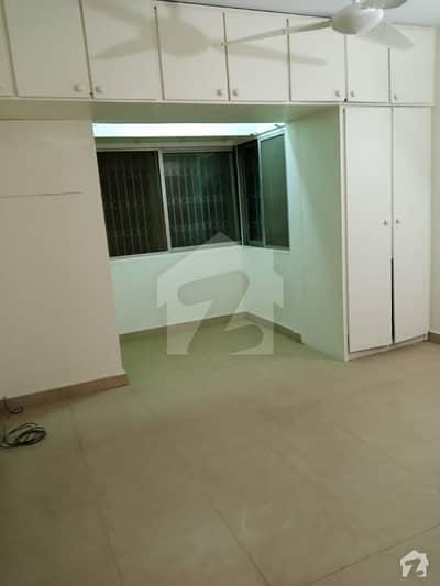 کلفٹن ۔ بلاک 2 کلفٹن کراچی میں 3 کمروں کا 7 مرلہ فلیٹ 70 ہزار میں کرایہ پر دستیاب ہے۔