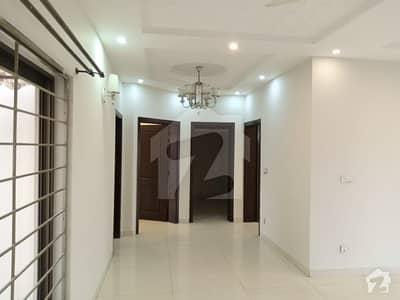 ڈی ایچ اے فیز 6 - بلاک ایل فیز 6 ڈیفنس (ڈی ایچ اے) لاہور میں 3 کمروں کا 1 کنال بالائی پورشن 75 ہزار میں کرایہ پر دستیاب ہے۔