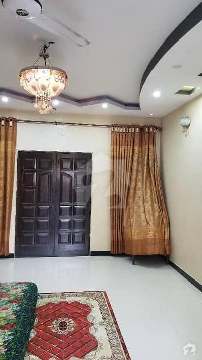 گلشن اقبال - بلاک 13 / D-3 گلشنِ اقبال گلشنِ اقبال ٹاؤن کراچی میں 3 کمروں کا 10 مرلہ بالائی پورشن 1 کروڑ میں برائے فروخت۔