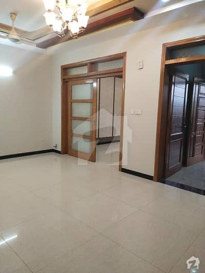 Ground Portion For Rent With All Facilities Separate Meters