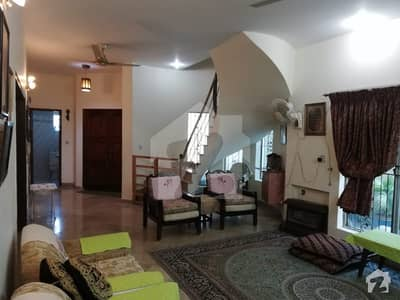 10 Marla Upper Portion available for Rent in wapda town