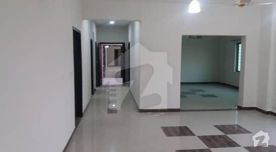 عسکری 11 ۔ سیکٹر بی عسکری 11 عسکری لاہور میں 4 کمروں کا 12 مرلہ فلیٹ 1.95 کروڑ میں برائے فروخت۔