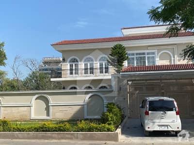 ایف ۔ 7 اسلام آباد میں 8 کمروں کا 1.33 کنال مکان 25.5 کروڑ میں برائے فروخت۔