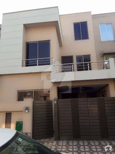 5 marla like new house for rent in bahria town lahore
