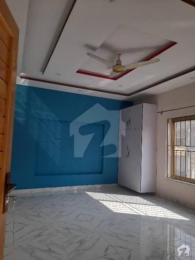 آفیسرز گارڈن کالونی ورسک روڈ پشاور میں 6 کمروں کا 6 مرلہ مکان 2.3 کروڑ میں برائے فروخت۔