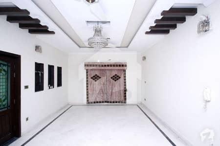 ڈی ایچ اے فیز 4 ڈیفنس (ڈی ایچ اے) لاہور میں 3 کمروں کا 1 کنال بالائی پورشن 55 ہزار میں کرایہ پر دستیاب ہے۔