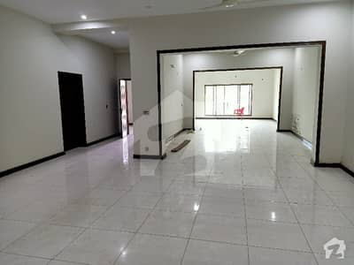 1 Kanal Beautiful Ground Floor Hall 3 Bed Available For Rent In Johar Town Main 200 Feet Road