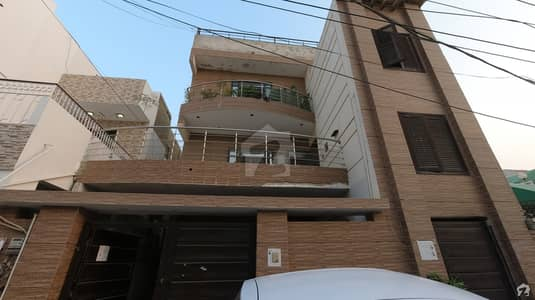 300 Square Yards Lower Portion In Gulshan-e-Iqbal Town For Sale