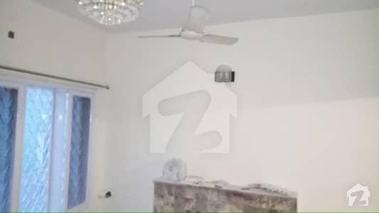 جی ۔ 6 اسلام آباد میں 4 کمروں کا 11 مرلہ مکان 1.1 لاکھ میں کرایہ پر دستیاب ہے۔