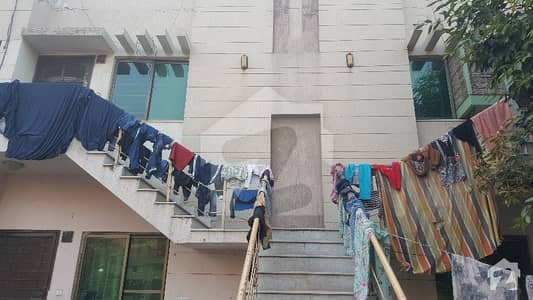 1125  Square Feet Flat For Sale In Beautiful Khayaban-E-Amin