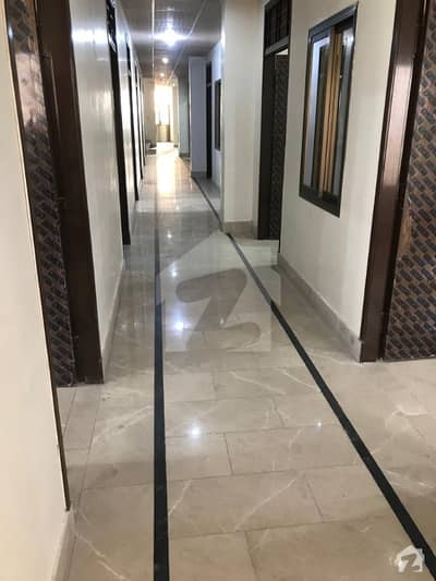 ڈی ایچ اے ڈیفینس ملتان میں 1 کمرے کا 1 مرلہ کمرہ 4 ہزار میں کرایہ پر دستیاب ہے۔