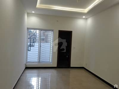 بحریہ ٹاؤن فیز 3 بحریہ ٹاؤن راولپنڈی راولپنڈی میں 5 کمروں کا 10 مرلہ مکان 2.95 کروڑ میں برائے فروخت۔