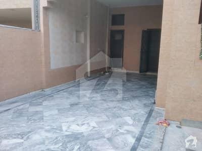 ماڈل ٹاؤن لِنک روڈ ماڈل ٹاؤن لاہور میں 4 کمروں کا 10 مرلہ مکان 70 ہزار میں کرایہ پر دستیاب ہے۔