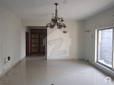F113 Main Margllah Road 1022 Sq Yd Front Open Triple Storey House For Sale